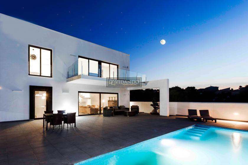 Exclusive villa with a beautiful view in Denia in Vidando