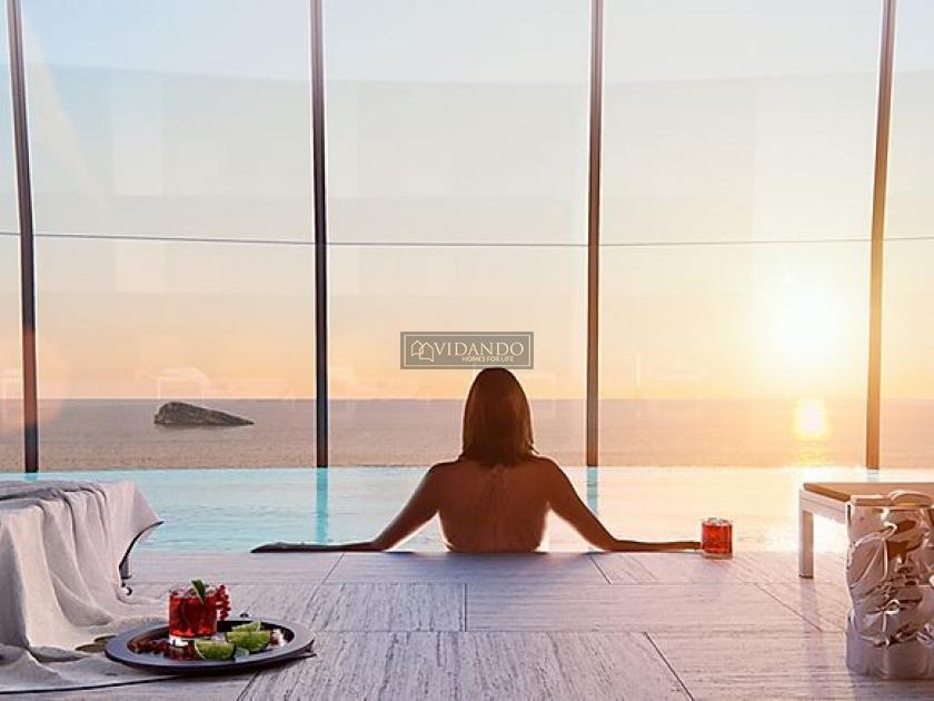 Luxury Apartment spacious terrace 1 ° line beach Benidorm in Vidando