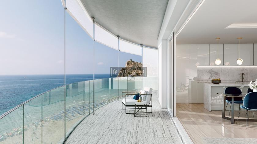 Appartement op het volledige 14de verdiep, 1° lijn strand in Vidando