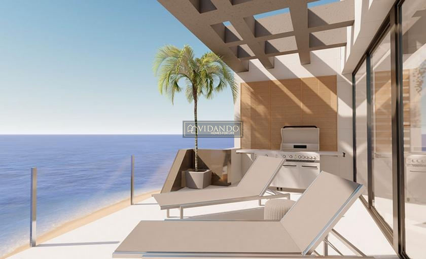Apartments first line on the beach of Torrevieja in Vidando