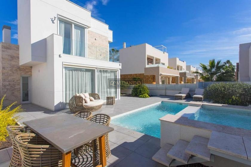 Luxury villa with sea view for sale in Torrevieja in Vidando